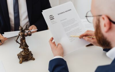 Should Your Divorce Mediator Be an Attorney?